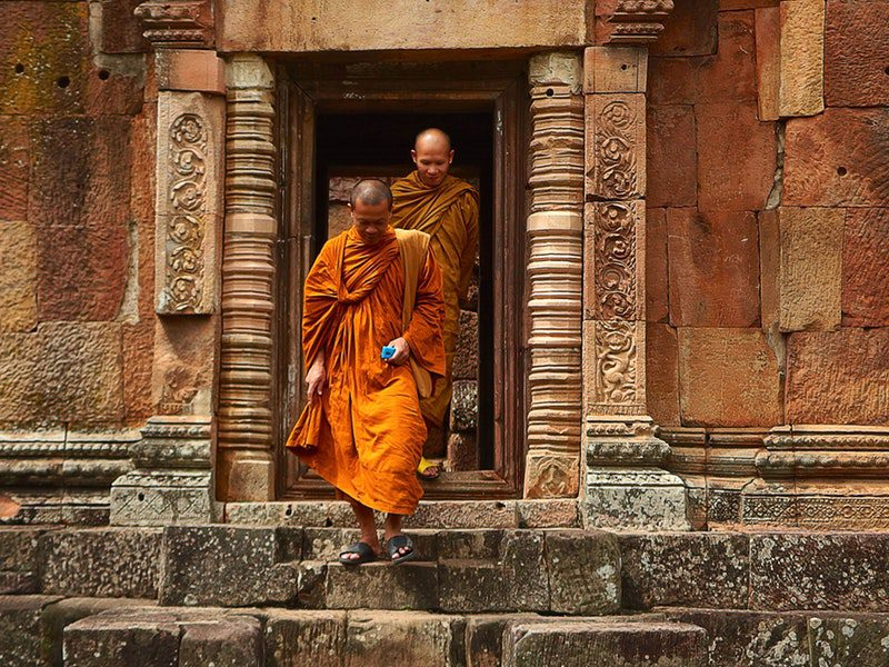thailand-monks-temple-tourism-161183